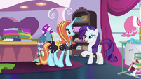 Rarity asks Sassy to fetch vermilion satin S7E6
