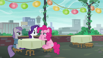 Rarity trying to cheer up Pinkie Pie S6E3