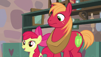 Apple Bloom introduces herself to Sugar Belle S7E8