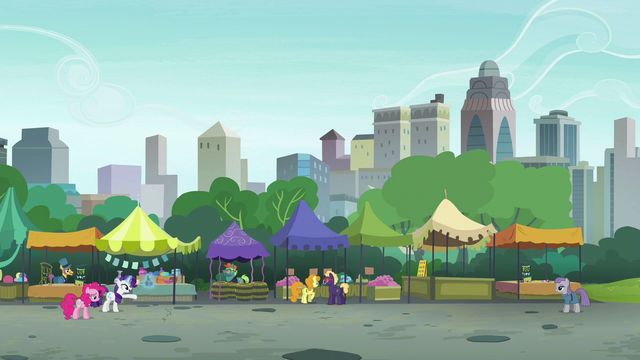 File:Rarity and Maud stand over twenty yards apart S6E3.png