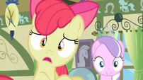 Apple Bloom surprised by Granny Smith's arrival S2E12