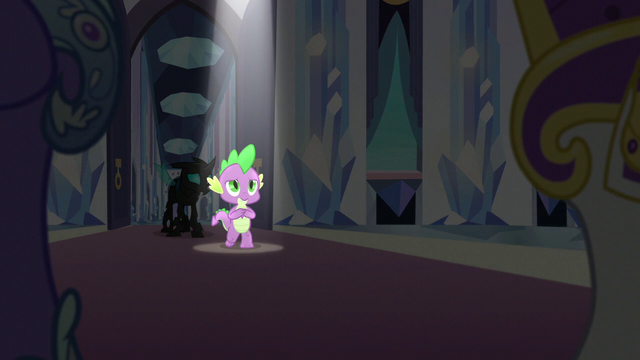 File:Spike steps forward under a spotlight S6E16.png