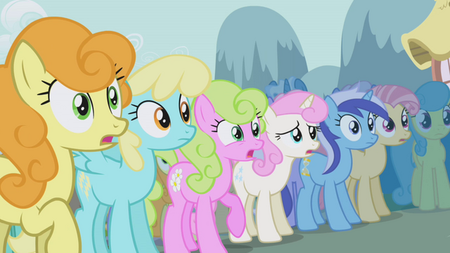 File:Ponies gasp over Rarity's new look S1E06.png