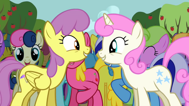 File:Ponies singing along 2 S2E15.png