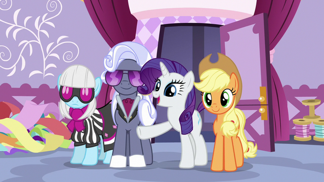 "File:Rarity ""prepare for tomorrow's big show"" S7E9.png"