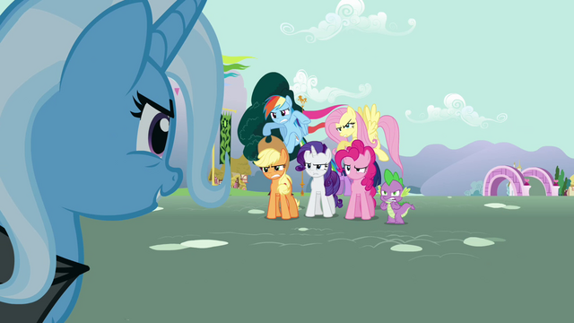 File:Trixie looks at Twilight's friends S3E05.png