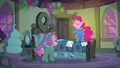 "Pinkie ""the best friendship-maker in Ponyville"" S7E4.png"