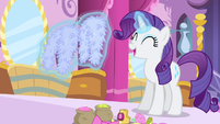 Rarity levitating decorations S4E23