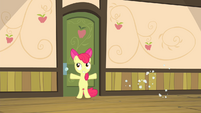 Apple Bloom closes door quickly S4E17