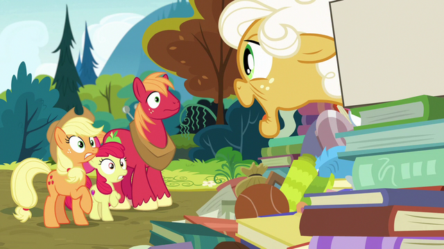 """File:Goldie """"I just remembered somethin'!"""" S7E13.png"""