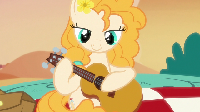 File:Pear Butter starts playing the guitar S7E13.png