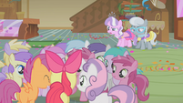 Dinky Doo with horseshoe cutie mark S1E12
