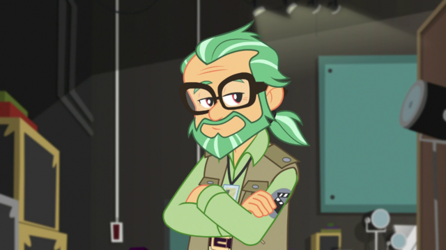File:Canter Zoom smiles with his arms crossed EGS2.png