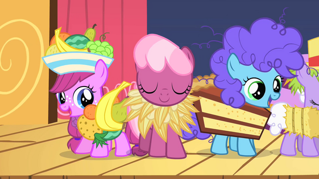 File:Costumed fillies half 1 S1E23.png