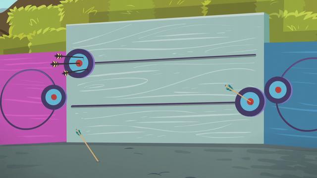 File:Fluttershy's arrow gets a bullseye EG3.png