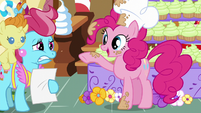 """Pinkie """"Okie-dokie-lokie!"""" S5E19"""