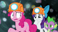 Pinkie Pie nervous; Rarity getting upset S7E4