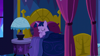 Twilight going back to sleep S5E13