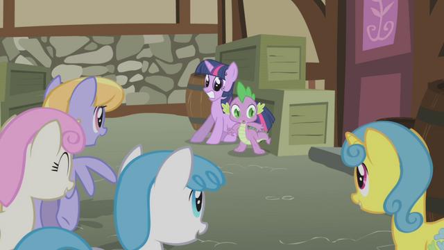 File:Twilight and Spike cornered S1E03.png