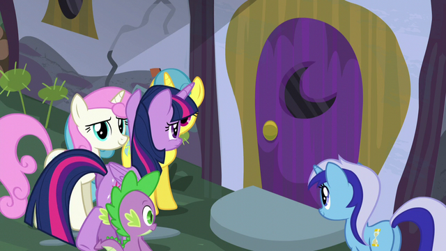 File:Twilight and Spike walks towards Moon Dancer's home door S5E12.png