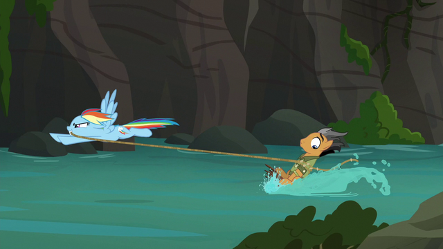 File:Quibble Pants water-skiing with Rainbow Dash (episode version) S6E13.png