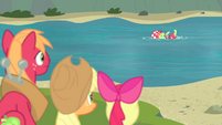 Granny Smith swimming S4E20