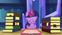 Twilight sighing in frustration S5E16