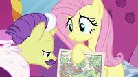 Fluttershy shows Dandy Grandeur her diagram S7E5