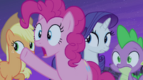 "Pinkie Pie ""follow that bat!"" S4E07"