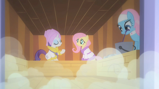 File:Rarity latest hat creation S1E20.png