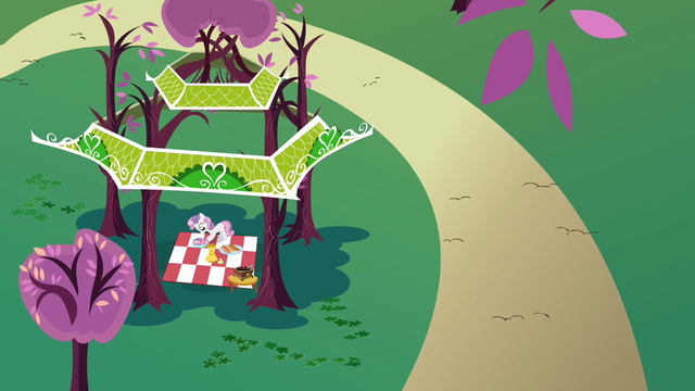 File:Sweetie Belle Gazebo S2E17.png