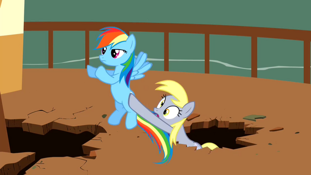 File:Derpy Hooves Falling S2E14.png