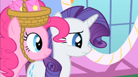 Pinkie walks up to Rarity S1E25