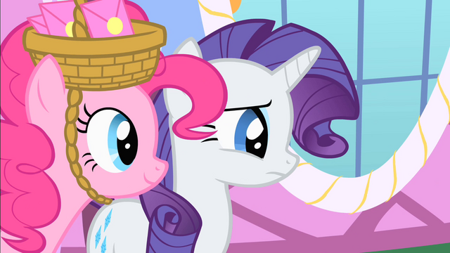 File:Pinkie walks up to Rarity S1E25.png