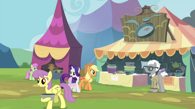 File:AJ and Rarity approaching Bill Neigh's stall S4E22.png
