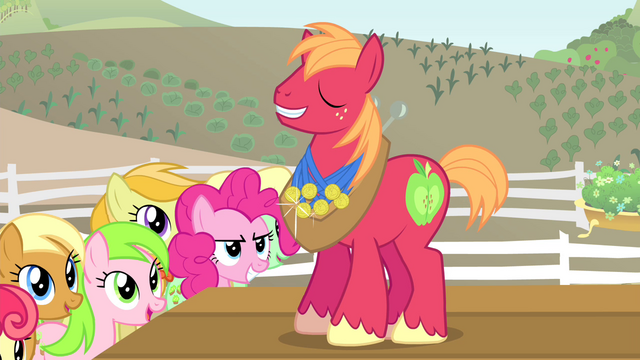 File:Pinkie Pie looking at Big Mac S4E14.png