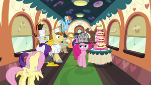 Pinkie with the line of passengers S2E24.png