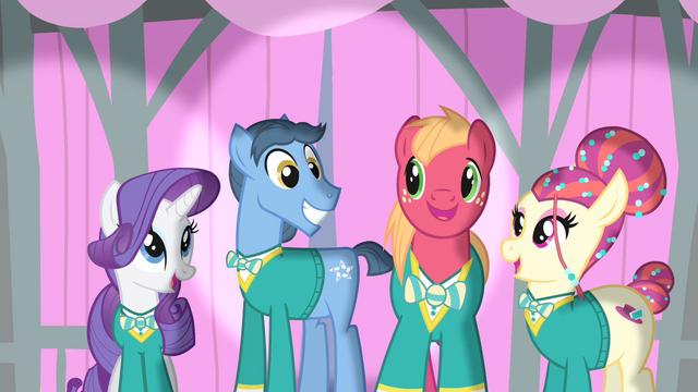 File:Ponytones smiling S4E14.png