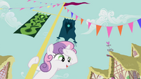 Sweetie Belle pole swinging 1 S2E17