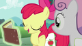 Apple Bloom explains the Derby's history S6E14.png