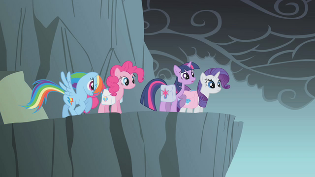 File:Rainbow Dash with her old cutie mark S1E07.png