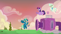 Sky Stinger beats the wind machine S6E24