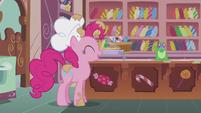 """Pinkie """"Okay, Gummy"""" S5E8"""