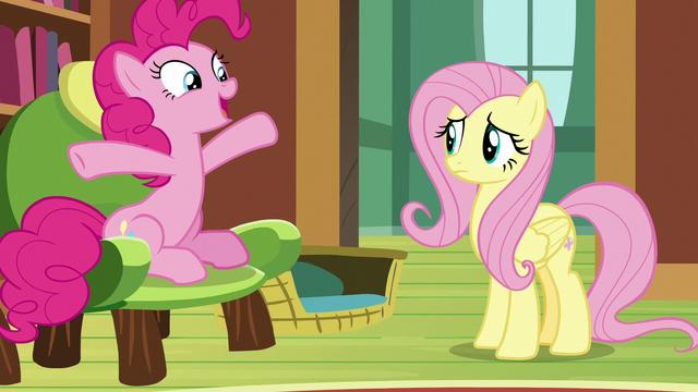"File:Pinkie Pie ""shaped like a gigantic bundt cake"" S7E5.png"