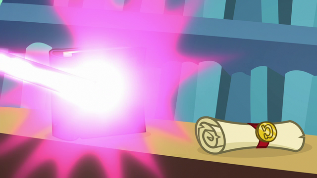 File:Twilight Sparkle zapping a book S6E21.png