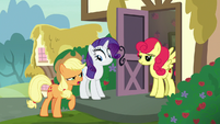 "Applejack ""apples are better than strawberries!"" S7E9"