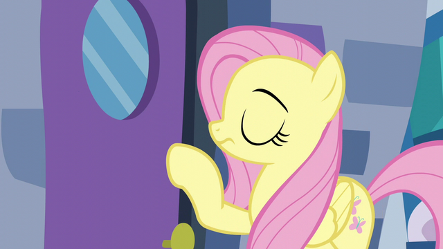File:Fluttershy about to knock on the door S6E11.png
