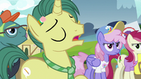 "Reporter Pony ""if she'd stayed in Canterlot"" S7E14"