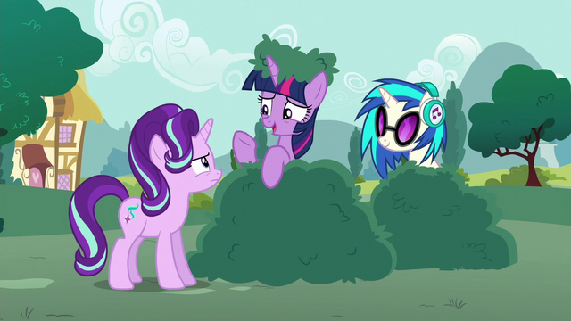 """File:Twilight Sparkle """"who can really say"""" S6E6.png"""