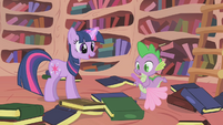 Twilight leaves the cleaning to Spike S1E10